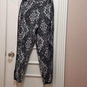 🛍 light patterned pants